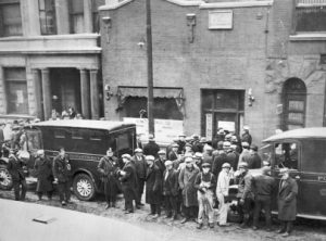 Crowd gathering in from of S.M.C. Cartage Co. garage on North Clark following the massacre | Photo courtesy of chicagosuntimes.com