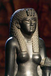 Basalt statue of of Cleopatra VII (51-30 b.c.) | Hermitage, St. Petersburg, Russia | San Pietroburgo, Gosudarstvennyj Muzej Ermitaj | De Agostini Picture Library | S. Vanninit | Courtesy of The Bridgeman Art Library